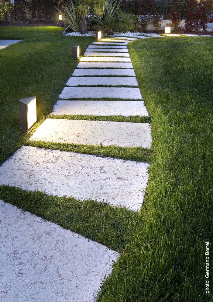 Подсветка садовой дорожки своими руками 34